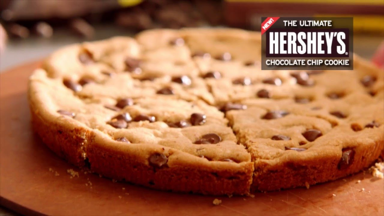 Hershey's Chocolate Chip Cookie - YouTube