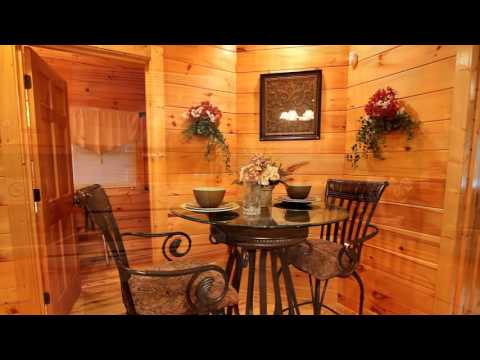 """Crimson Moon"" Romantic Wears Valley Cabin For Couples - Cabins USA 2015"