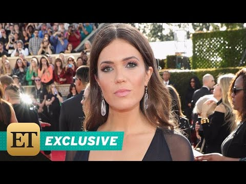 Thumbnail: EXCLUSIVE: Mandy Moore Dishes on Her Cleavage-Baring 'Superhero' Dress for Golden Globes