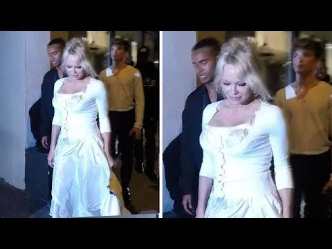 Pamela Anderson Still Commands An Audience Without Effort thumbnail
