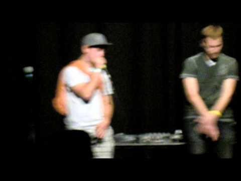 Killa Mahanie Vs. Uruz (HALF FINAL) At Beatboxbattle 2610