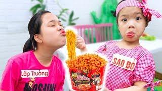Sức Mạnh Của Sao Đỏ Và Lớp Trưởng ❤ Ăn Quà Vặt Trong Lớp - Trang Vlog
