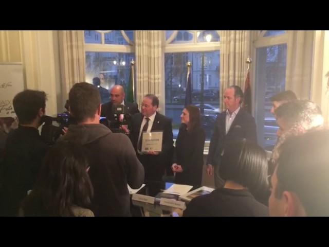 Cambados recibe en Bruselas el título de Ciudad Europea del Vino