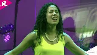 Ana Maria Estupiñan Ministrando a los Jovenes