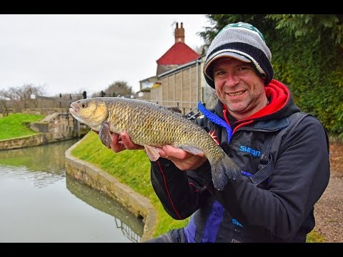 Canal fishing with Nick Speed - How to bag up