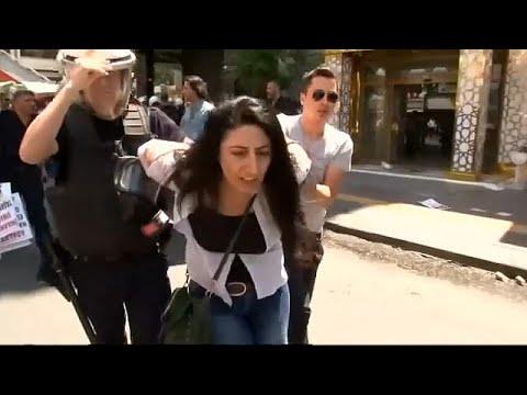 الشرطة التركية تعتقل عشرات المتظاهرين المتضامنين مع أستاذين مضربين عن الطعام  - 20:21-2017 / 7 / 23