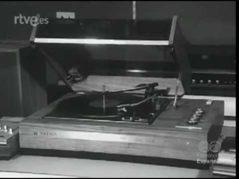 IMAGENES DEL NODO CUARENTA Y CINCO ANIVERSARIO Y EXPOSICION DEL RADIO CLUB TARRASA