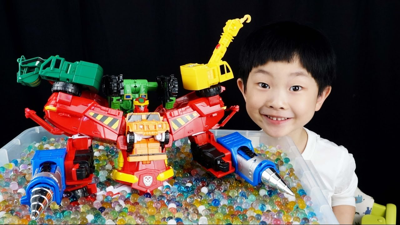 Hello Carbot Orbeez Surprise! Car Toys Play Learn Color with Balls Kids Video