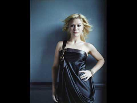 Kelly Clarkson Addicted - Kelly Clarkson Addicted