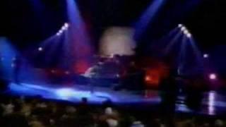 Repeat youtube video Alanis Morissette Live (1996)