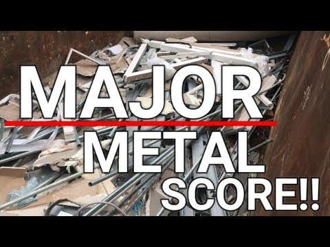 Huge Metal Score! Dumpster Diving Turns Up Large Dumpster with Metal!!