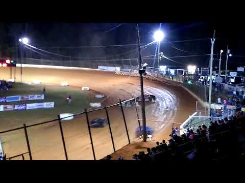 Modified feature race at Ponderosa Speedway 10/14/17