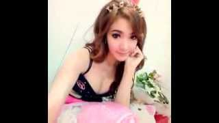 Download Video Video Cewek ABG Pamer Meki Mulus and beautifull MP3 3GP MP4