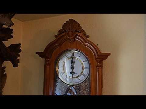 Cherry Wood Westminster/Wellington quartz Pendulum wall clock W/Stained Glass