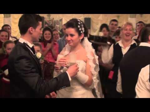 Romanian traditional wedding dance