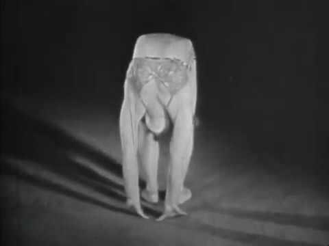 Four female acrobats (1934)
