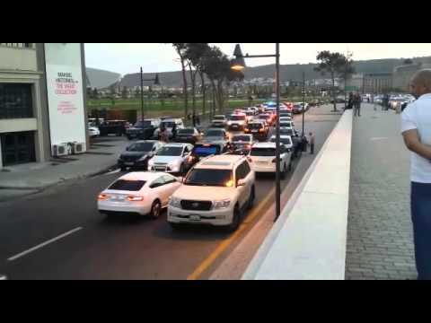 Polis avtoslari saxlayir (Davidich v Baku)