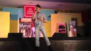 Myrus Performs