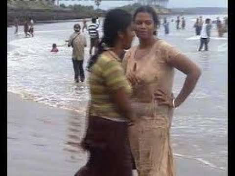 Hot desi aunty bathing accept