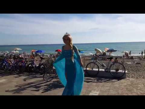 SEASIDE TRIP | SWIM & COSPLAY WITH ME :)