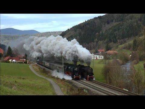 Видео как едет паровоз