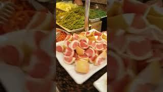 Обзор завтрака в отеле Euphoria Palm Beach Resort