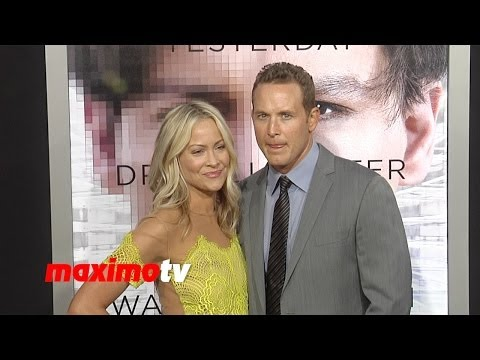 Cole Hauser and Cynthia Daniel TRANSCENDENCE Los Angeles Premiere ARRIVALS