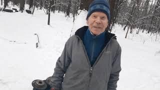 Ветеран Великой Отечественной в свои 93 года жмет штангу и тренирует женщин!