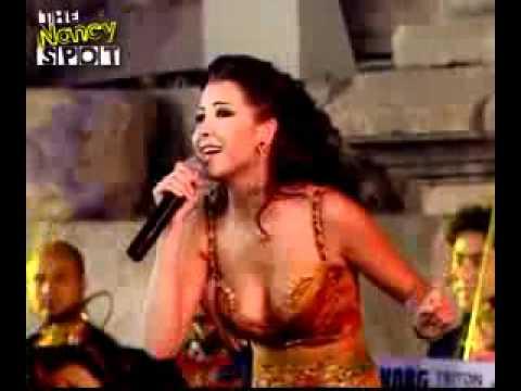 Akhasmak Ah Nancy Ajram concert 2004