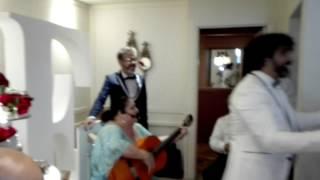 Download Lagu La Tata le canta boda Edu y miguel mp3