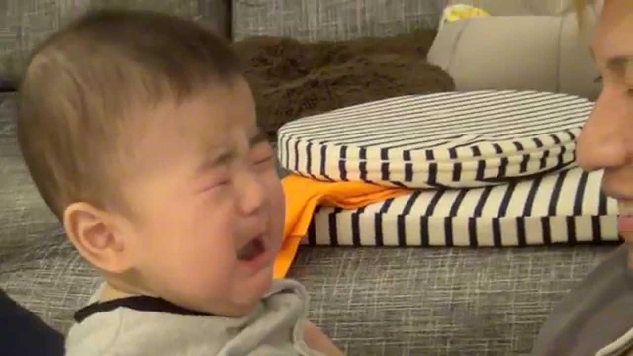赤ちゃん 置い たら 泣く