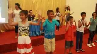 Just Dance Kids - gummy bear #English Camp 2015