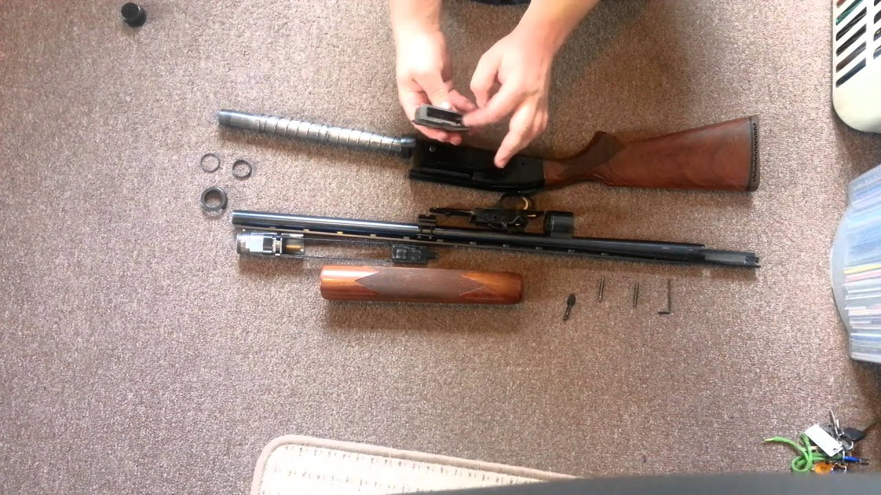mossberg shotgun 9200 disassembly and cleaning guide youtube rh youtube com Mossberg 500 Persuader Mossberg 500 Tactical