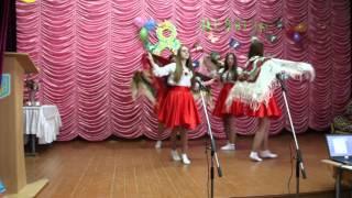 Український народний танець з хустинами