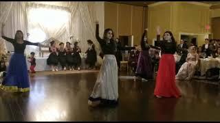 Best friends wedding, Bollywood dances