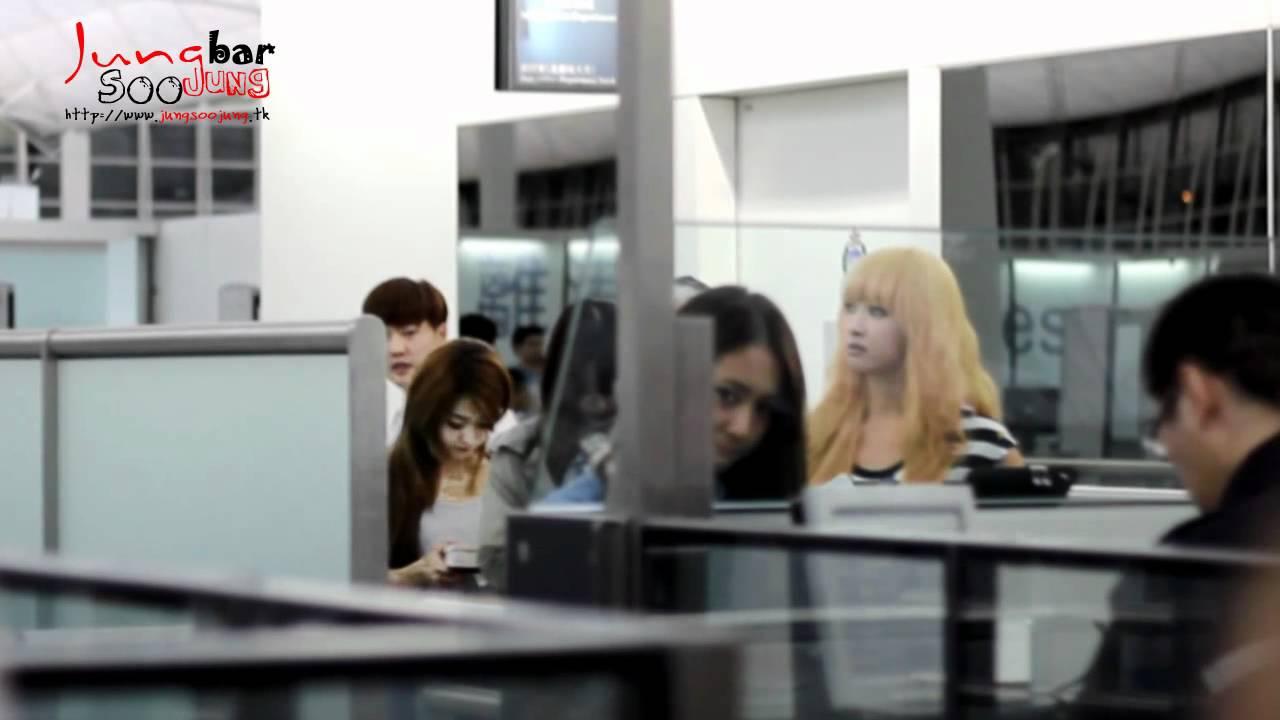Download 【百度鄭秀晶吧】 120622 Krystal In HK Airport 獨家視頻