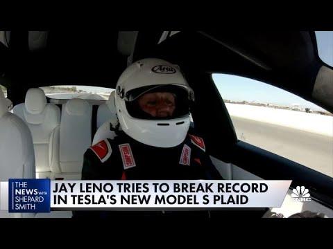 Jay Leno tries to break record in Tesla's new Model S Plaid on 'Jay Leno's Garage'