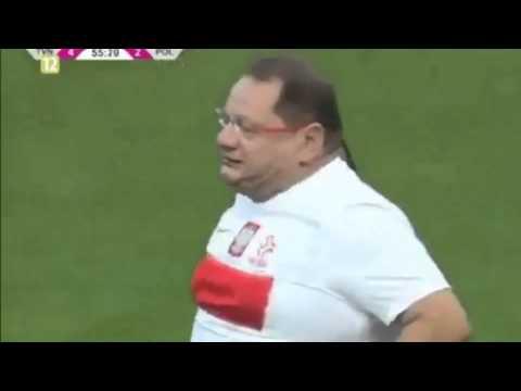 Ryszard Kalisz w akcji piłkarskiej (Czytaj opis)