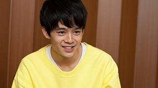 池松 壮亮(いけまつ そうすけ)は、日本の福岡県出身の俳優。1990年7月...