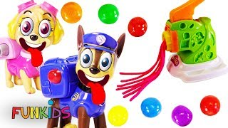 Learn Colors with Paw Patrol Makes Play Doh Pasta & Gumballs