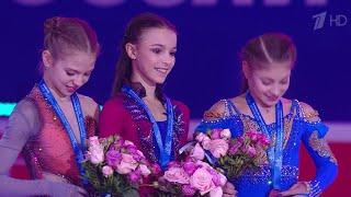 В Красноярске на национальном первенстве по фигурному катанию в борьбу вступают девушки