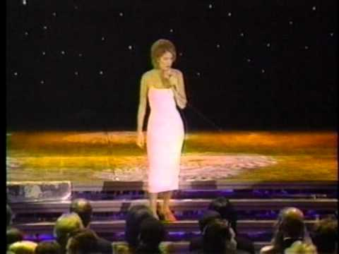 Celine Dion - Because You Loved Me + Receiving Award (Live World Music Awards 1996) HQ
