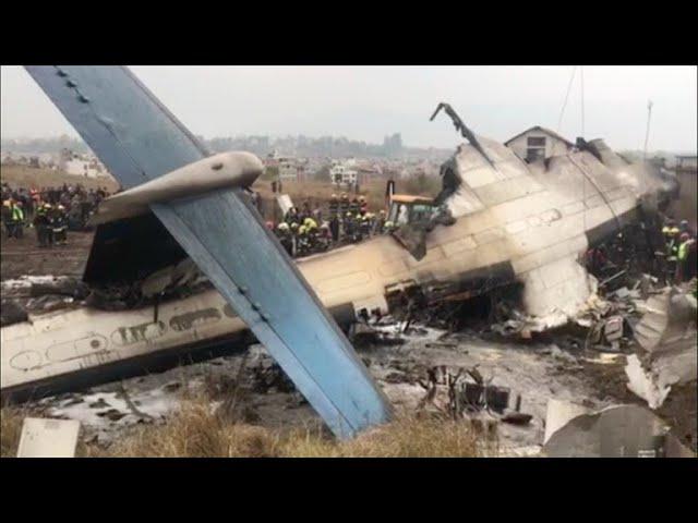 Polo menos 49 mortos nun accidente de avión en Nepal