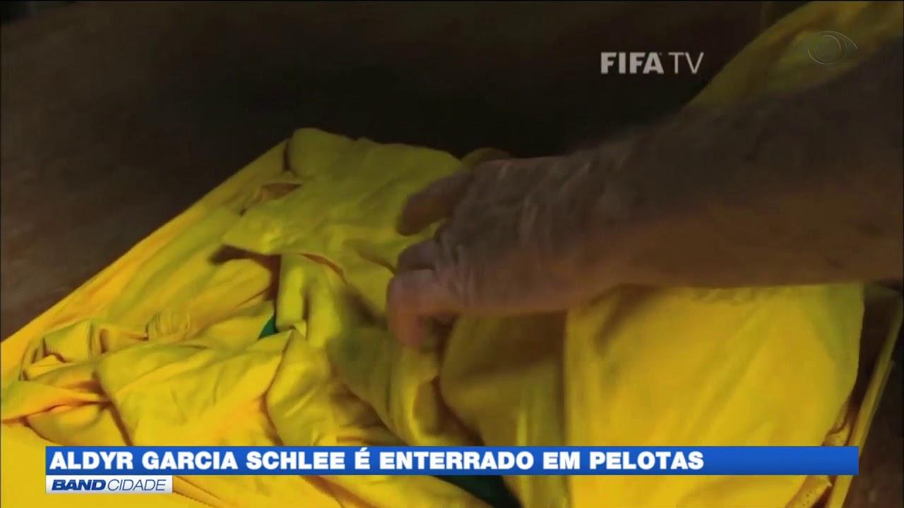 Morre o criador da camiseta da seleção canarinho - YouTube c8c765f1cab30