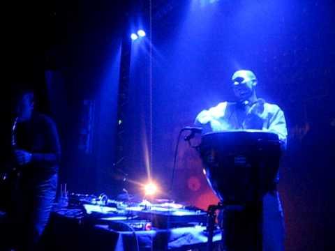 Dj Andrew S.mile & Syntheticsax - выступление на гастролях