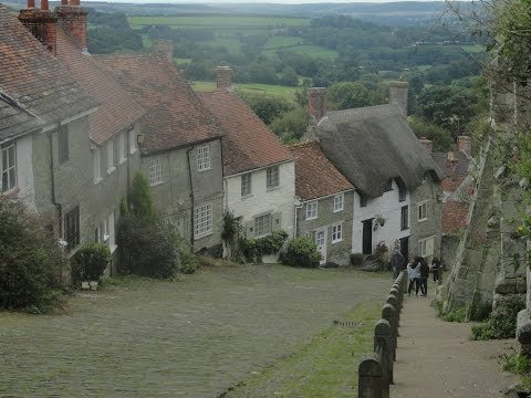 Gold Hill in Shaftesbury (the Hovis Advert Hill), Dorset 2015