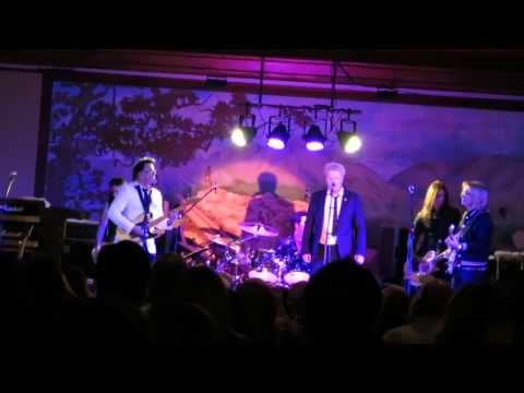 The Offspring - Eyes of a Stranger (Payolas Cover) (Live New Years Eve 2014 Maui)