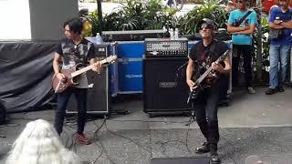 XPDC- Akhir Zaman (lagu baru) live depan Sogo KL.. Mmg Gempak!!! (14/07/2018)