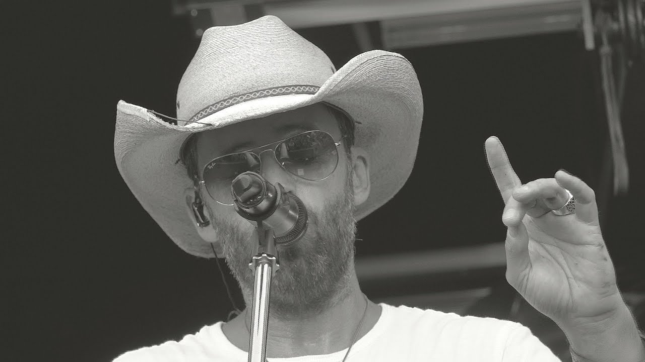 Dean Brody 'Bring Down The House' - CP Canada 150 Train Tour