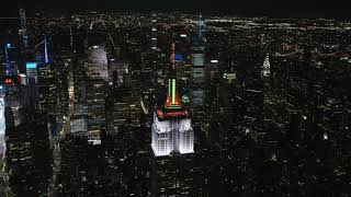 "CARRIE UNDERWOOD & JOHN LEGEND'S ""HALLELUJAH"" – Empire State Building 2020 Holiday Light Show"